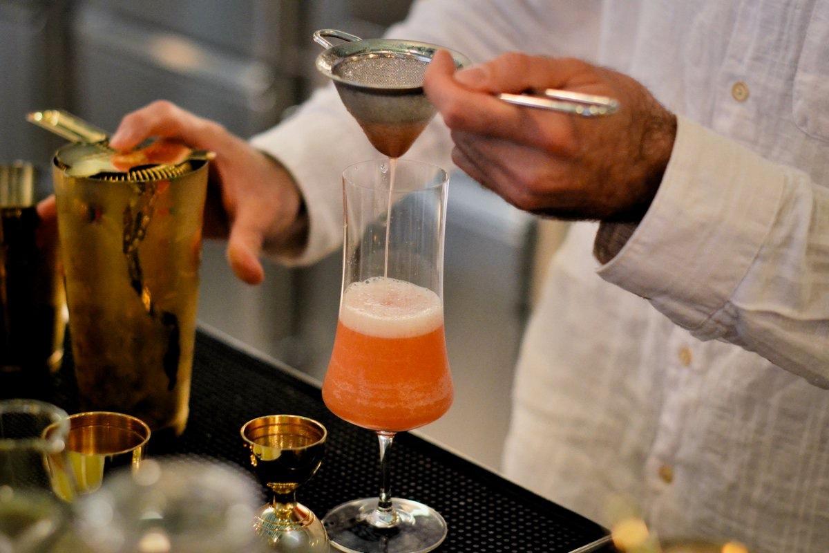 drink-whatshot_louiesgengenroom