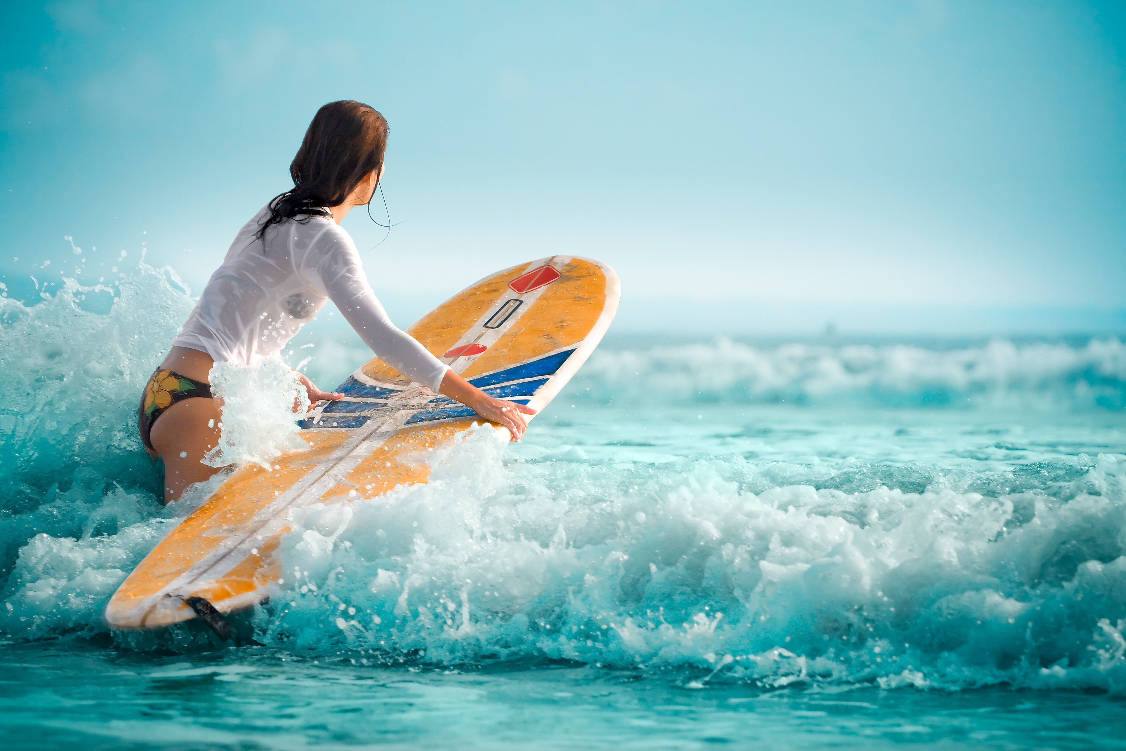 Learn to Surf at These Hotels