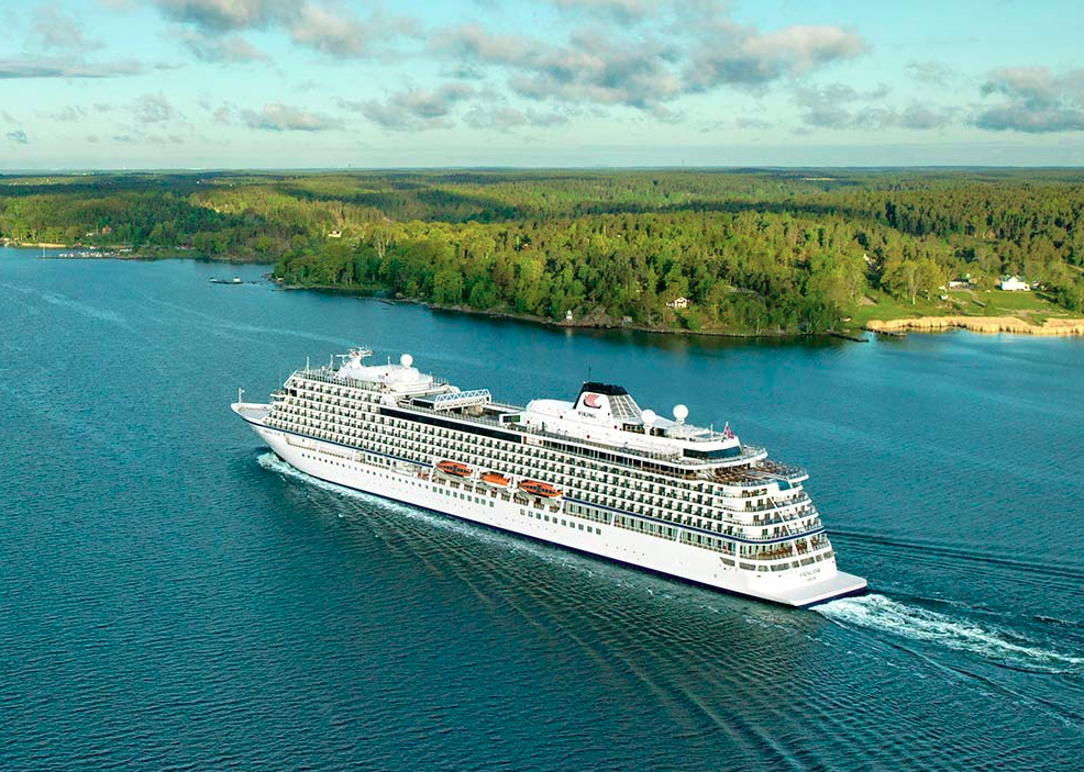 3 Best Luxury Cruise Ships